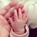 小さな小さな手にキュン